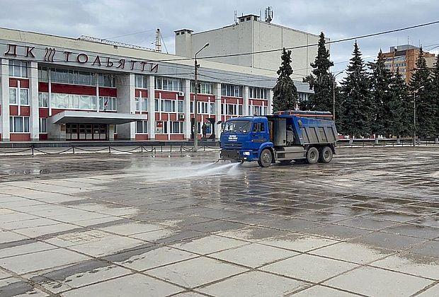 В Тольятти дезинфицирующим средством обрабатывают улицы