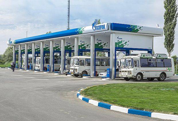 Газпром пообещал Самарской области сеть новых газозаправок