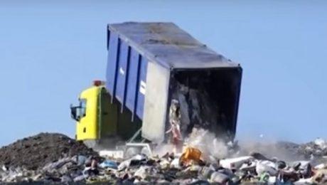 Губернатор рассказал, кто получит льготы по оплате вывоза мусора