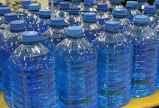 Полицейские изъяли несколько тысяч бутылок со смертельно опасной «незамерзайкой»