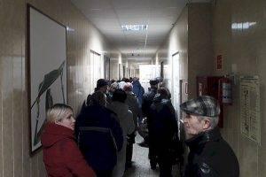"""Тольяттинцы штурмуют офис """"ЭкоСтройРесурса"""""""