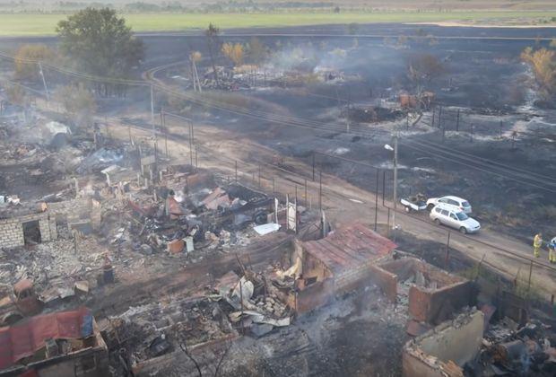Пожар в Борском районе уничтожил уже более 5000 гектаров леса и десятки домов
