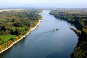 Прибрежные защитные полосы и водоохранные зоны на реках области начали устанавливать после вмешательства прокуратуры
