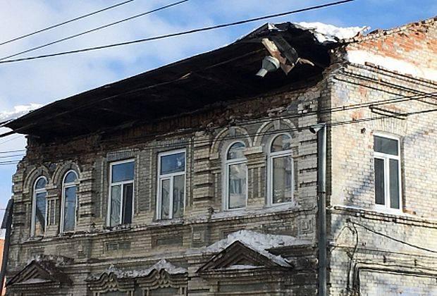 В Самаре обрушилась кровля многоквартирного дома