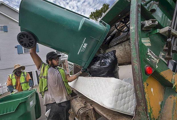 Порядок начисления платы за вывоз мусора предложили пересмотреть