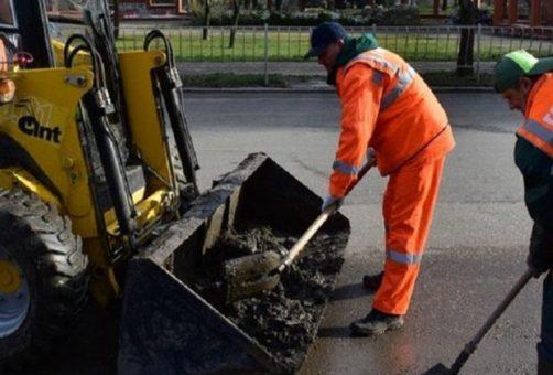 В Тольятти зачистят прибордюрную грязь
